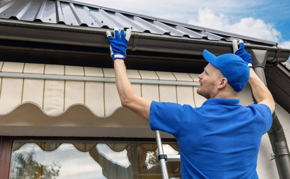 Roof Plumbers generally work on gutters and flashings.